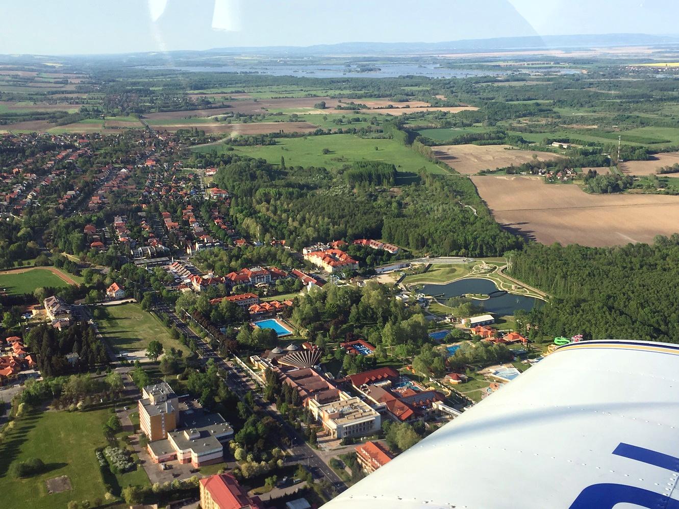 Heviz lake fly madartavlat repulo panorama