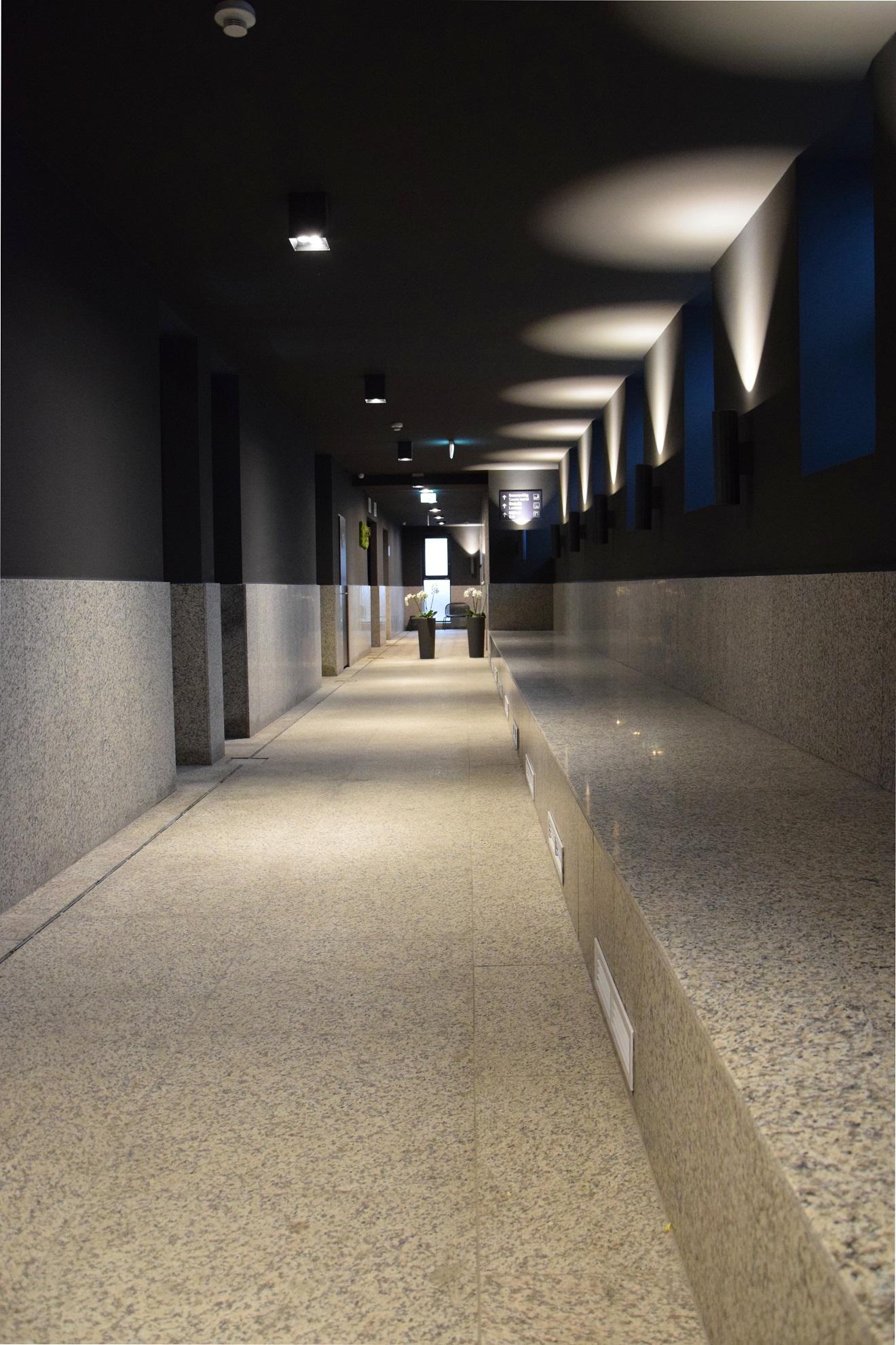 Pesterzsébet jódos-sós gyógyfürdő folyosó