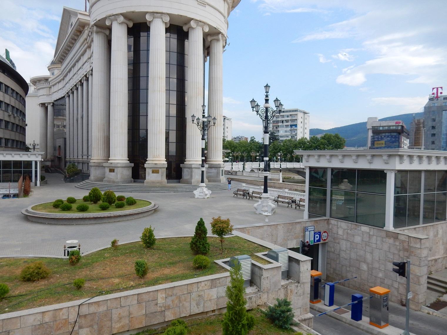 Skopje architecture, parking