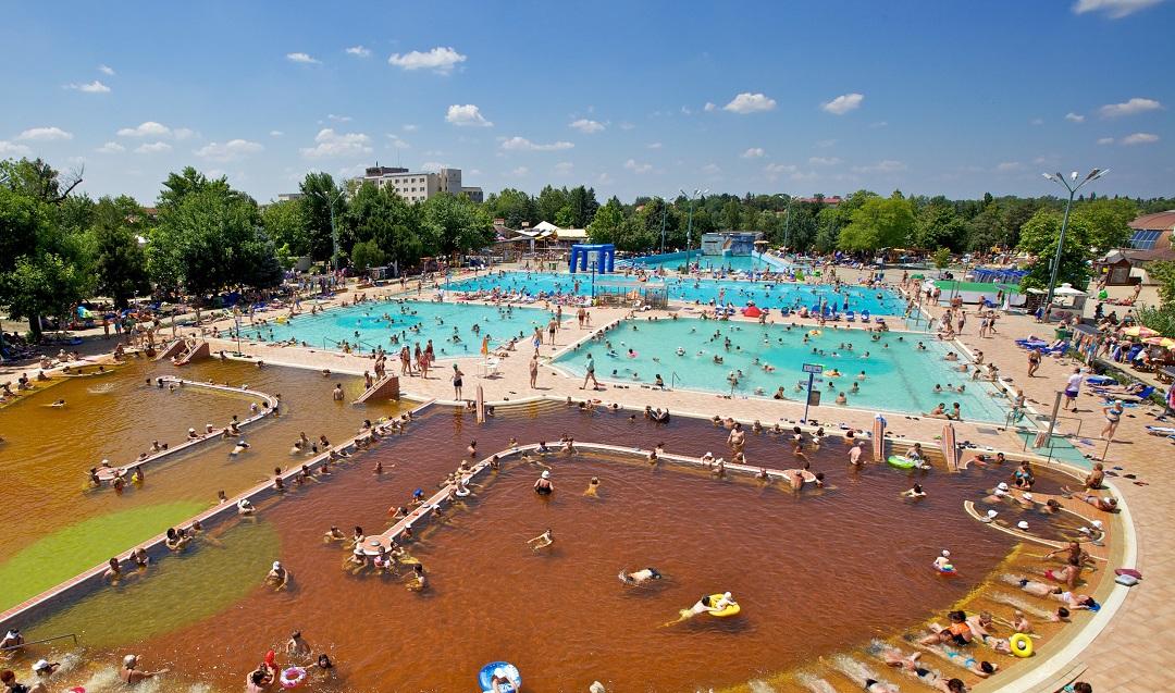 Hungarospa Hajdúszoboszló medencék nyitása