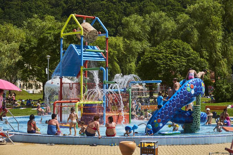 Orfűi strand aquapark licit árverés eladó