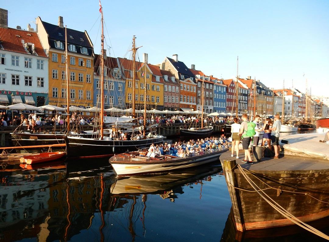 Dánia beutazás karanténkötelezettség koronavírus teszt