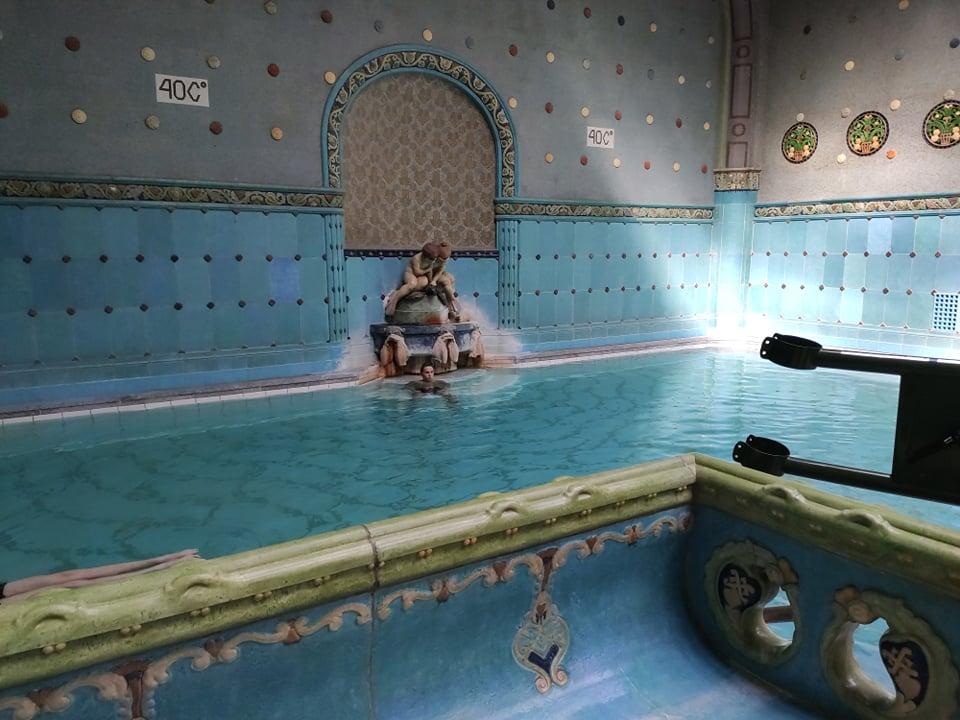 Gellért fürdő nyitás nyitva termál medence