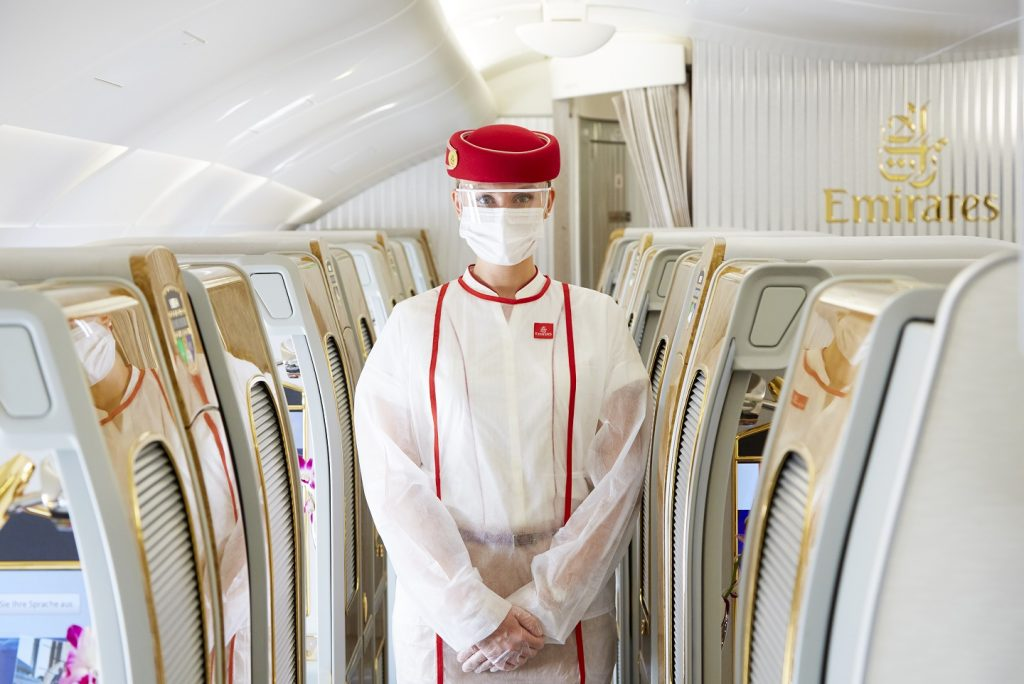 Emirates COVID stewardess személyzet crew