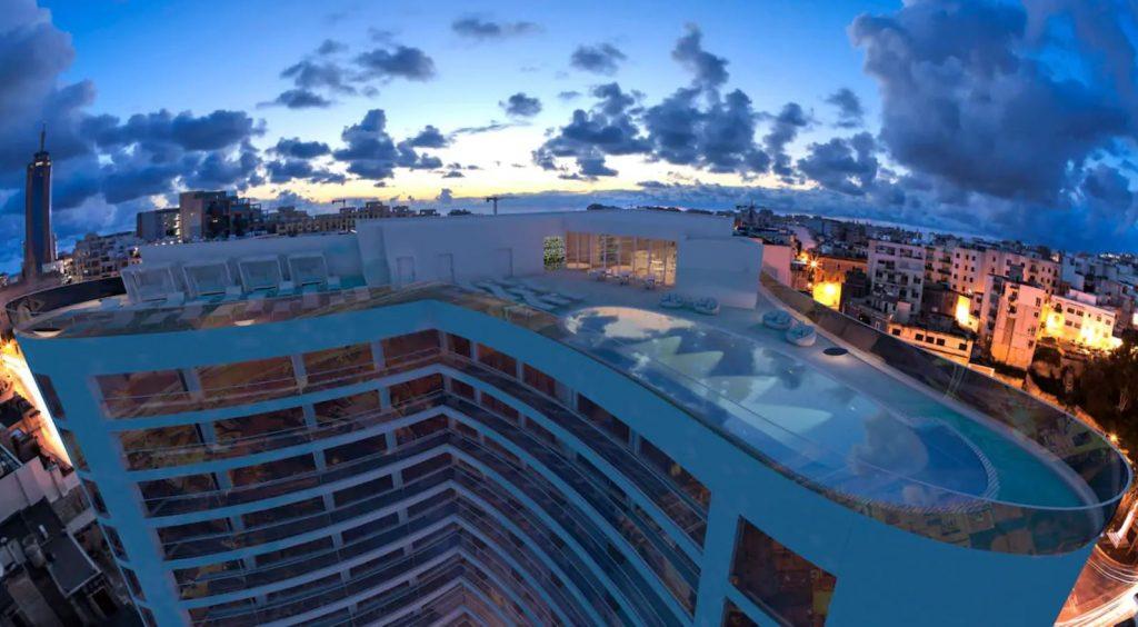 Málta Hyatt Regency 5 csillag superior hotel spa medence luxus szálloda
