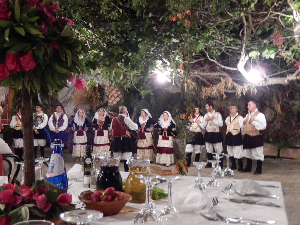 Szardínia szárd nép idős nénik hosszú élet
