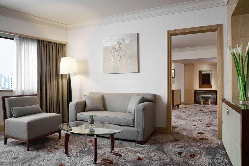 Westin Grand Sukhumvit Bangkok deluxe suite nappali