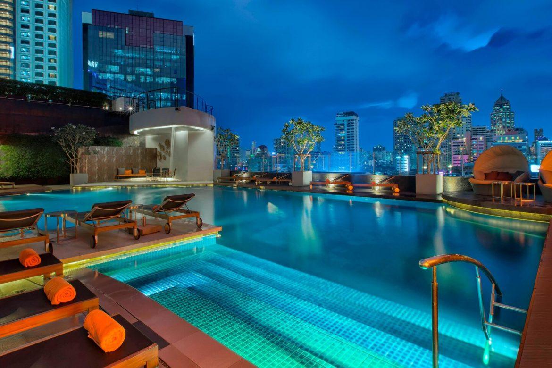 Westin Grand Sukhumvit Bangkok medence