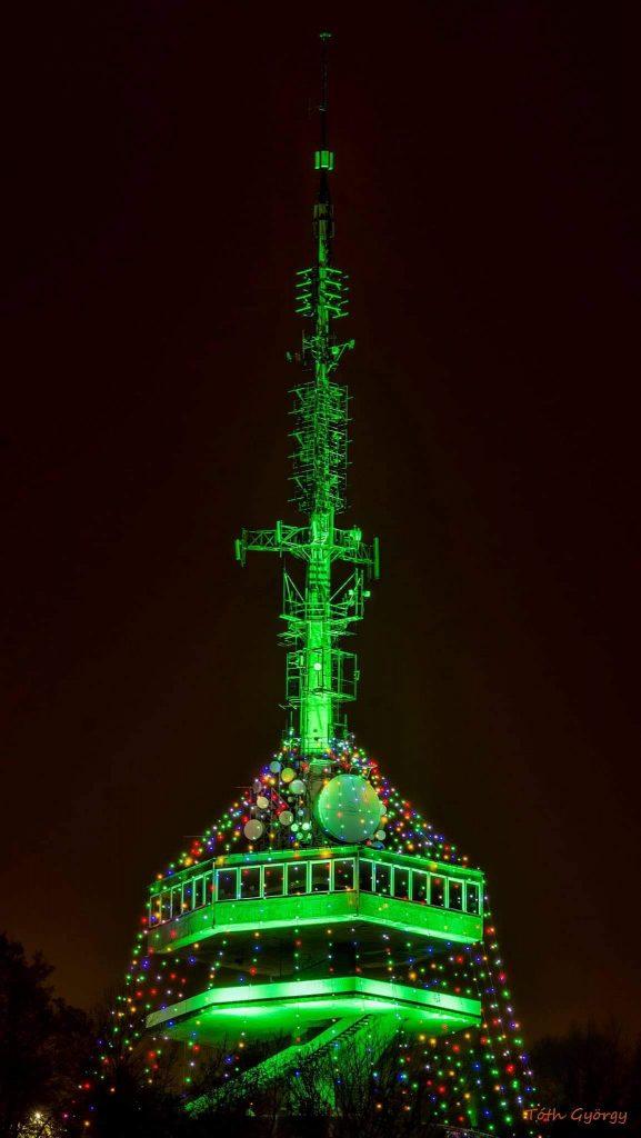 Miskolc Magyarország legnagyobb karácsonyfája Avasi kilátó