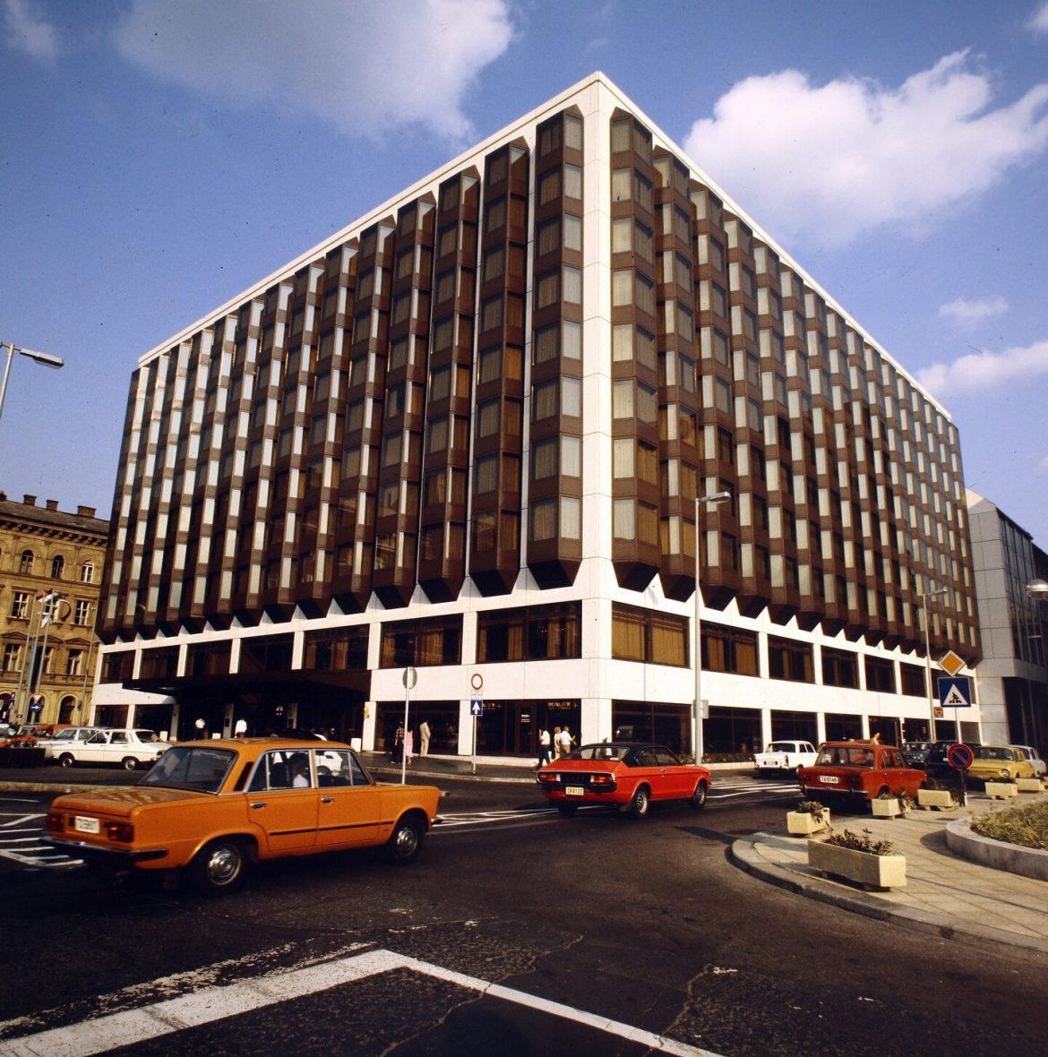Sofitel Budapest felújítás Atrium Hyatt hotel Indotek csoport