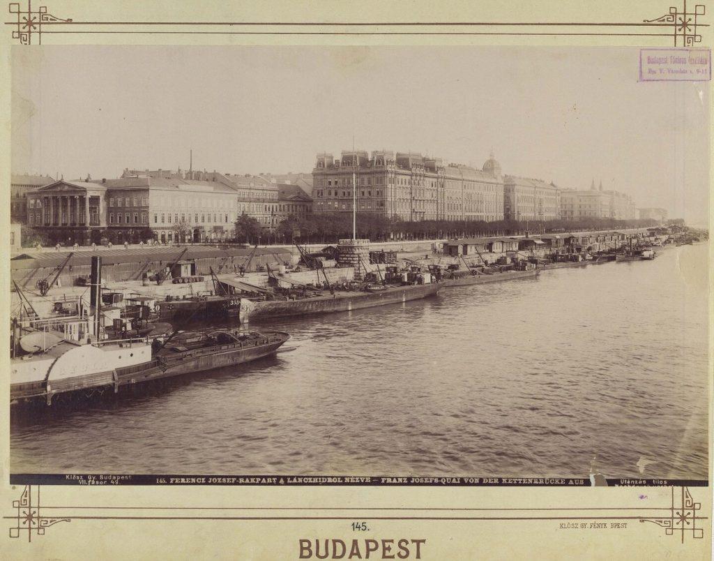 Duna-korzó Budapest látképe hotelek Sofitel Atrium Hyatt