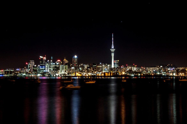 Új-Zéland maszk nélkül tűzijáték ünnepeltek 2021 újév szilveszter