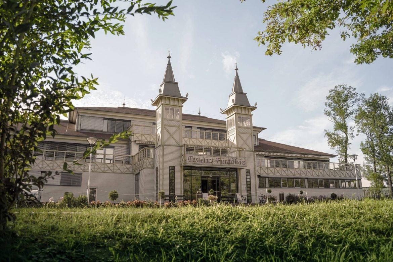Hévízi Tófürdő Festetics Fürdőház terápiás részleg kinyitott kezelések Kinesio Lab