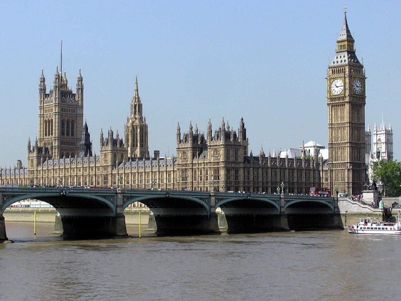 Anglia csak írásos indoklással lehet külföldre utazni írásbeli engedély szükséges