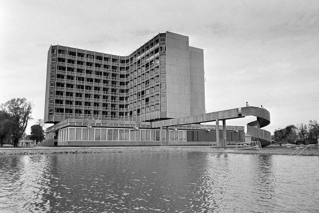 Hotel Helikon Keszthely felújítás fejlesztés megújul újranyit