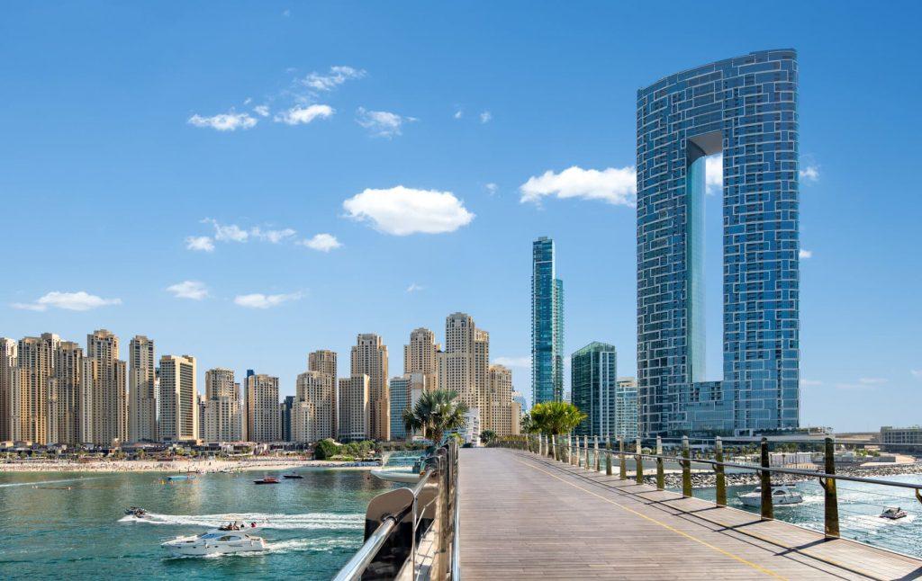 Address beach resort Dubaj ikertornyok