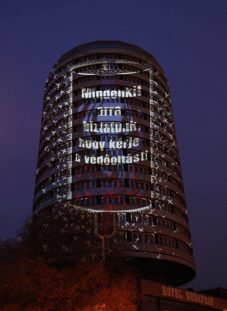 danubius hotel körszálló fényfestés köszönet egészségügyi dolgozóknak