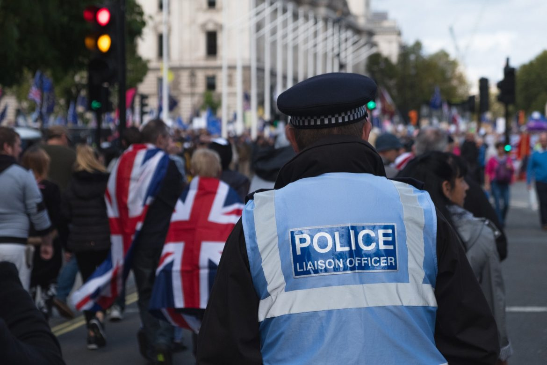 Nagy-Britannia színkód országok karantén jelzőlámpás rendszer külföldi utazás hazatérés beutazási korlátozás
