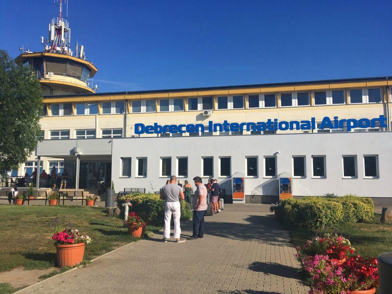 Debreceni Nemzetközi Repülőtér újranyit nyitás WizzAir bázis