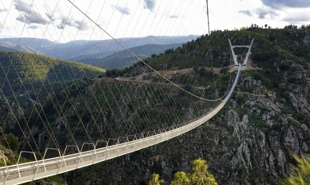 világ leghosszabb gyalogos hídja Arouca 516 híd Portugália