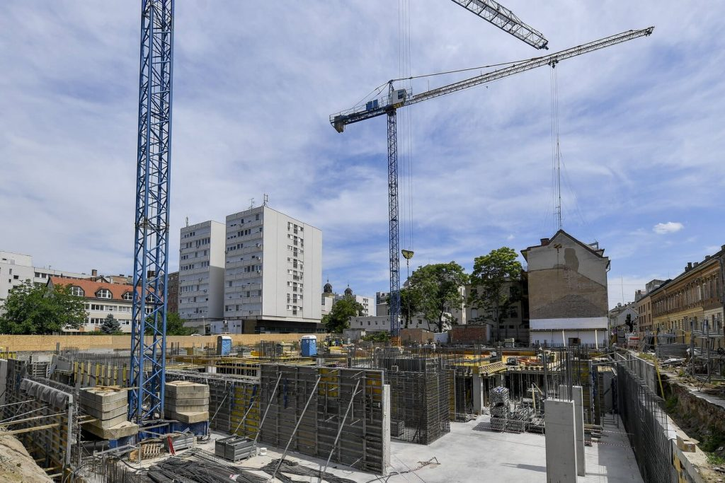 Debrecen Mercure hotel alapkő szálloda építés