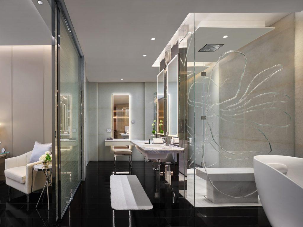J Hotel Shanghai világ legmagasabb szállodája fürdő