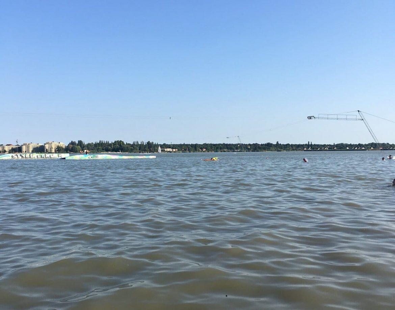 Velencei tó strand bezárás 4 fürdőhely vízminőség bezárták