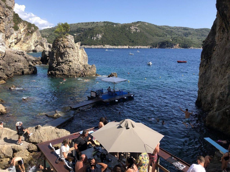 Európa szigorítások lazítások beutazási korlátozások nyaralás
