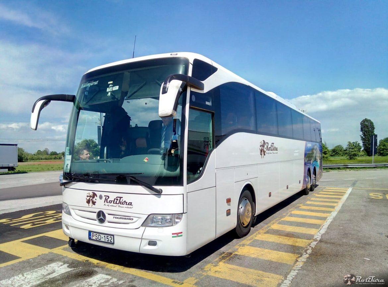 m7 buszbaleset Mercedes Tourismo Rolitúra Szabadbattyán Horvátország