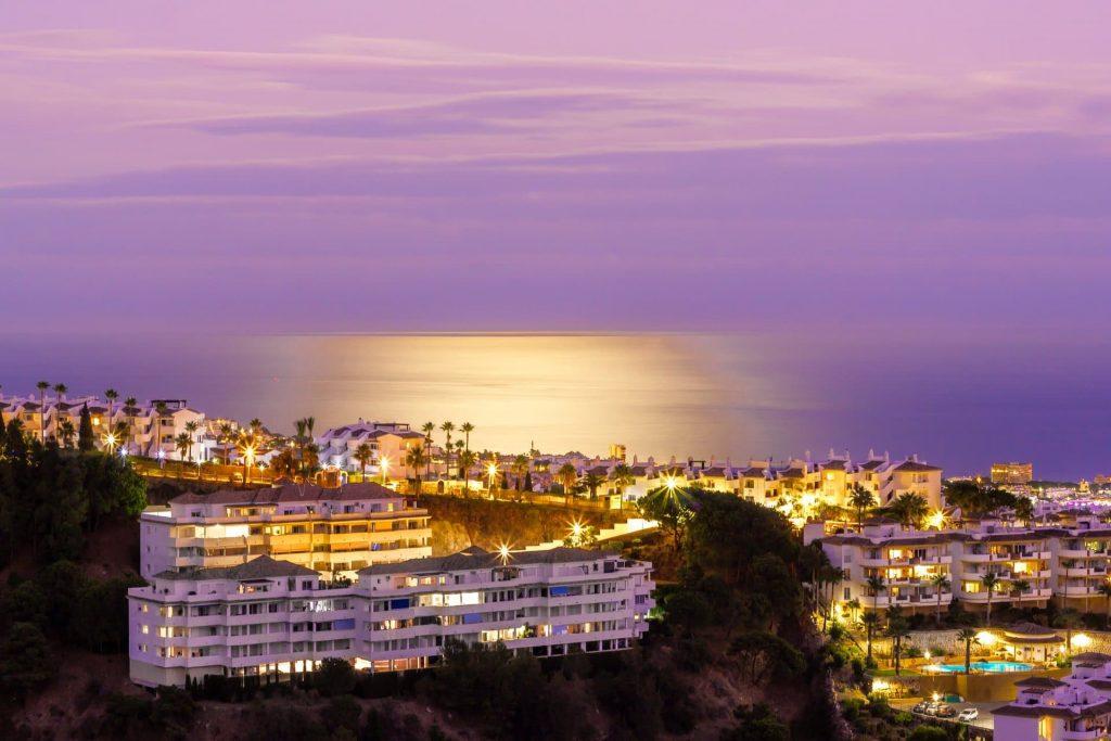 Marbella látnivalók tengerpart kiköltözik Orbán Ráhel Spanyolország