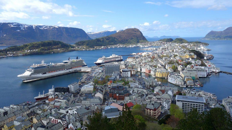 Norvégia újranyit minden korlátozást eltöröl felold normális élet